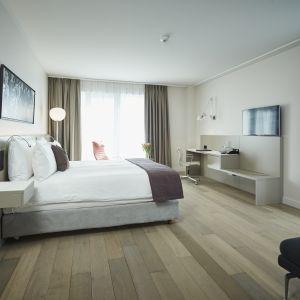 1. Modern Spacious room.jpg